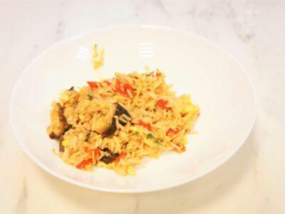Azijietiški kepti ryžiai