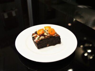 Šokoladinis pyragas be kvietinių miltų ir be cukraus